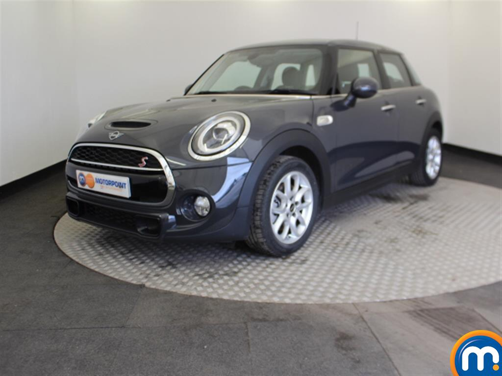 Mini Hatchback Cooper S - Stock Number 1051385 Passenger side front corner