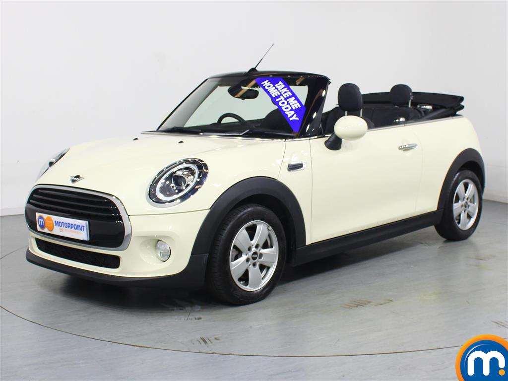 Mini Convertible Cooper - Stock Number 1050527 Passenger side front corner