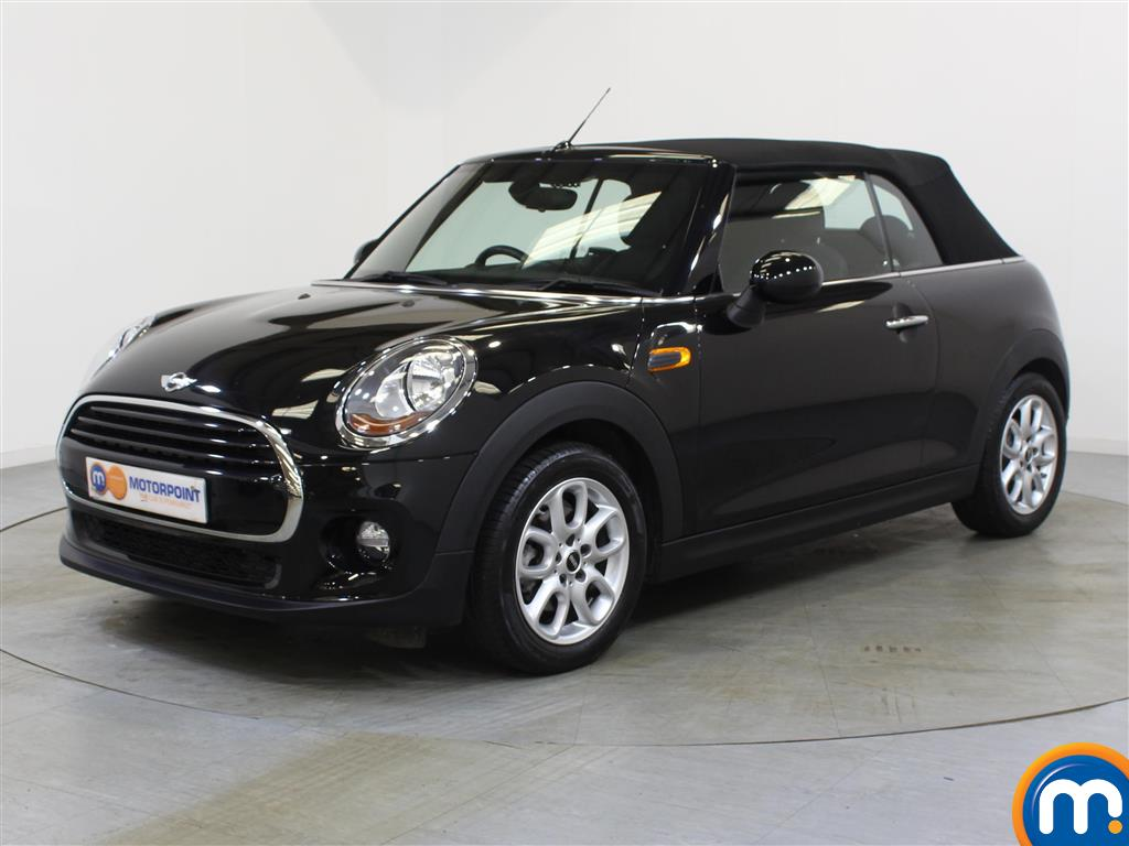 Mini Convertible Cooper - Stock Number 1048922 Passenger side front corner