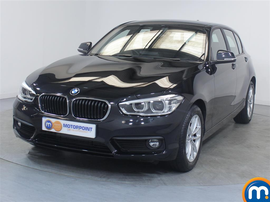 BMW 1 Series SE Business - Stock Number 1049392 Passenger side front corner