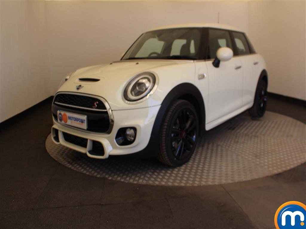 Mini Hatchback Cooper S Sport - Stock Number 1052910 Passenger side front corner