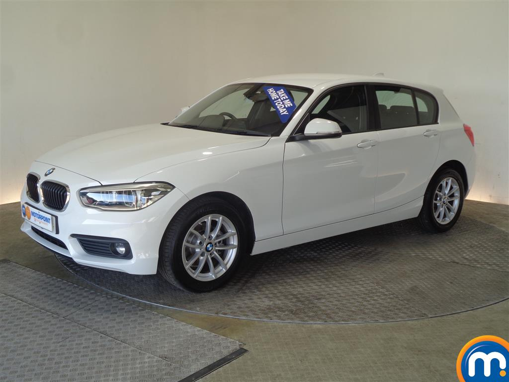 BMW 1 Series SE Business - Stock Number 1049360 Passenger side front corner