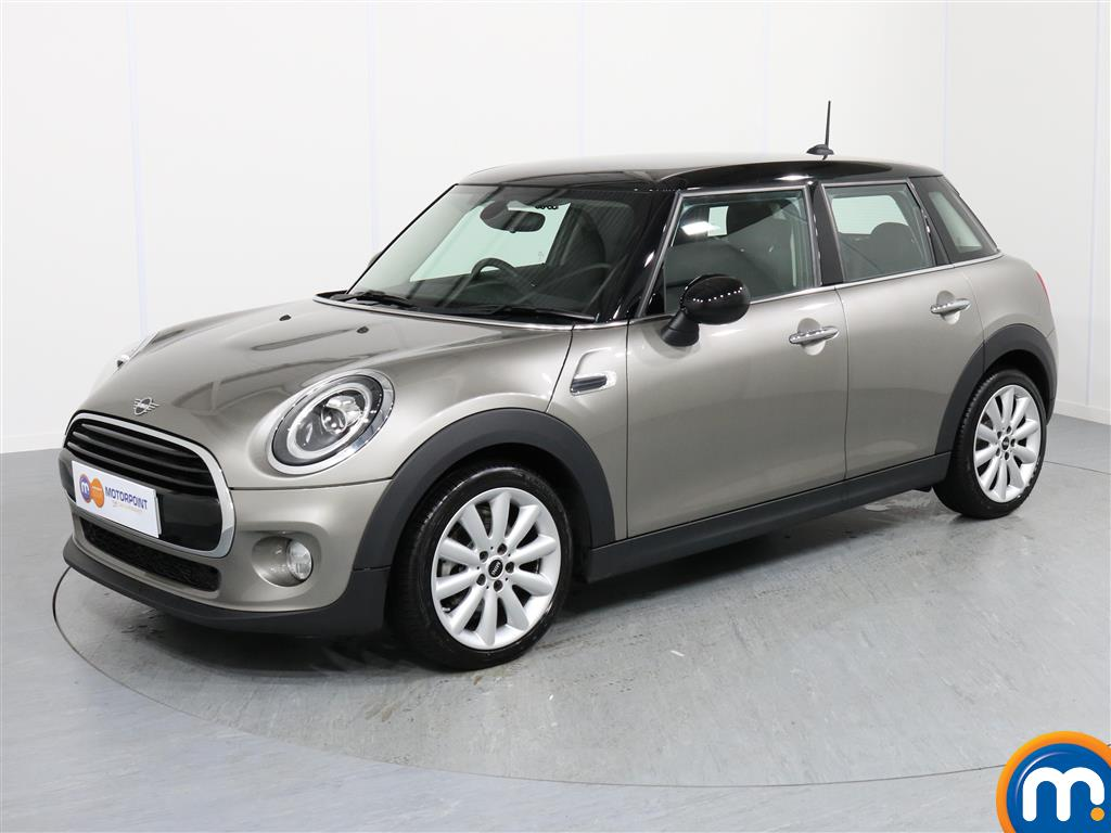 Mini Hatchback Cooper Classic - Stock Number 1055614 Passenger side front corner