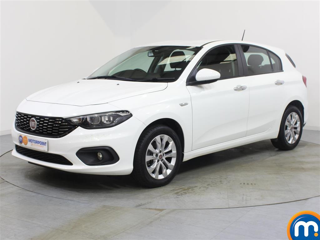 Fiat Tipo Easy Plus - Stock Number 1056147 Passenger side front corner