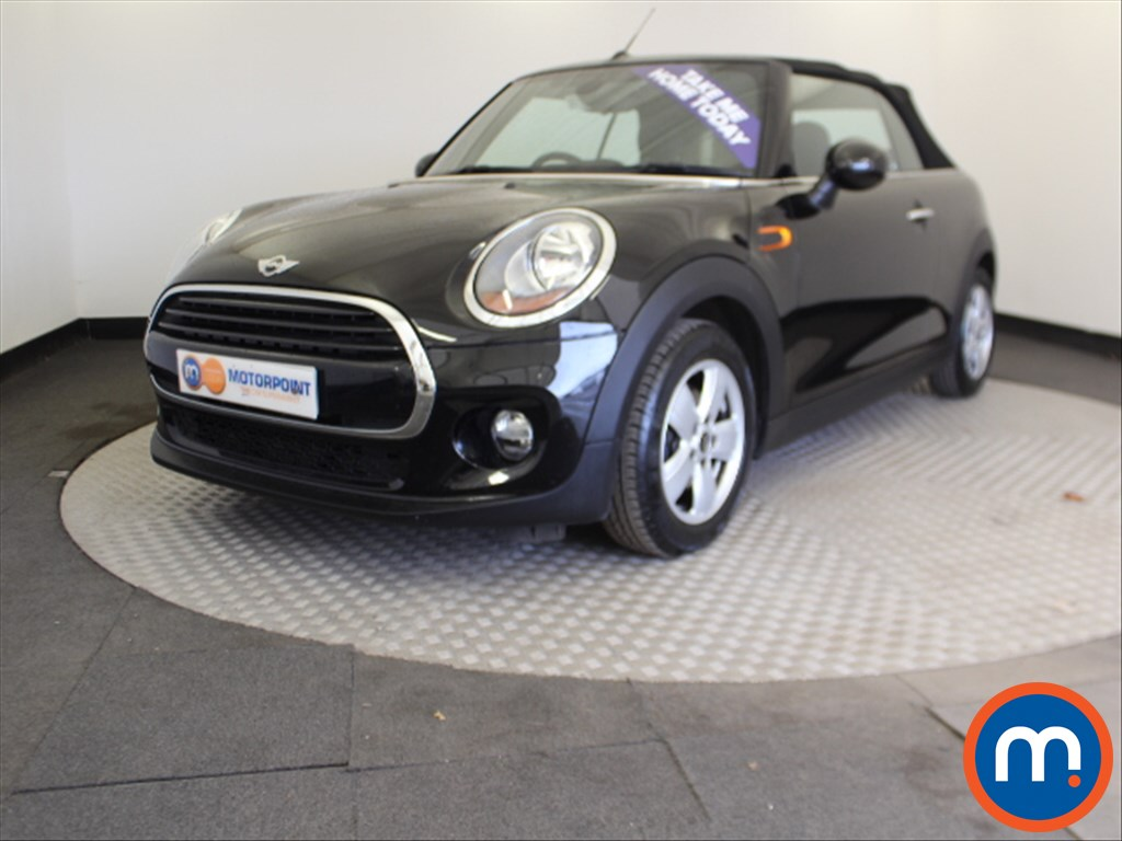 Mini Convertible Cooper - Stock Number 1055295 Passenger side front corner