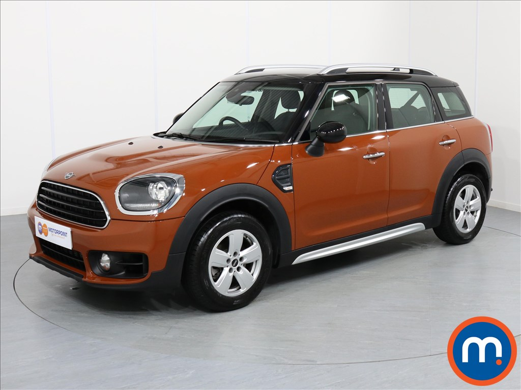 Mini Countryman Cooper Classic - Stock Number 1057739 Passenger side front corner
