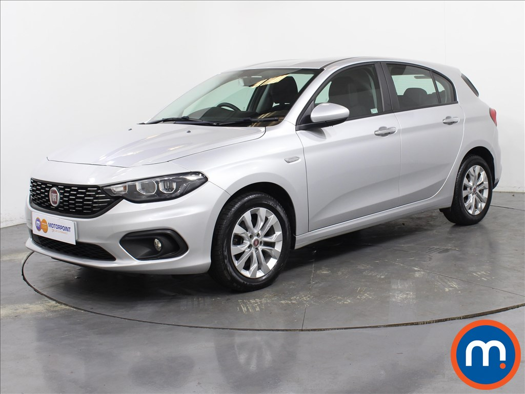 Fiat Tipo Easy Plus - Stock Number 1062035 Passenger side front corner