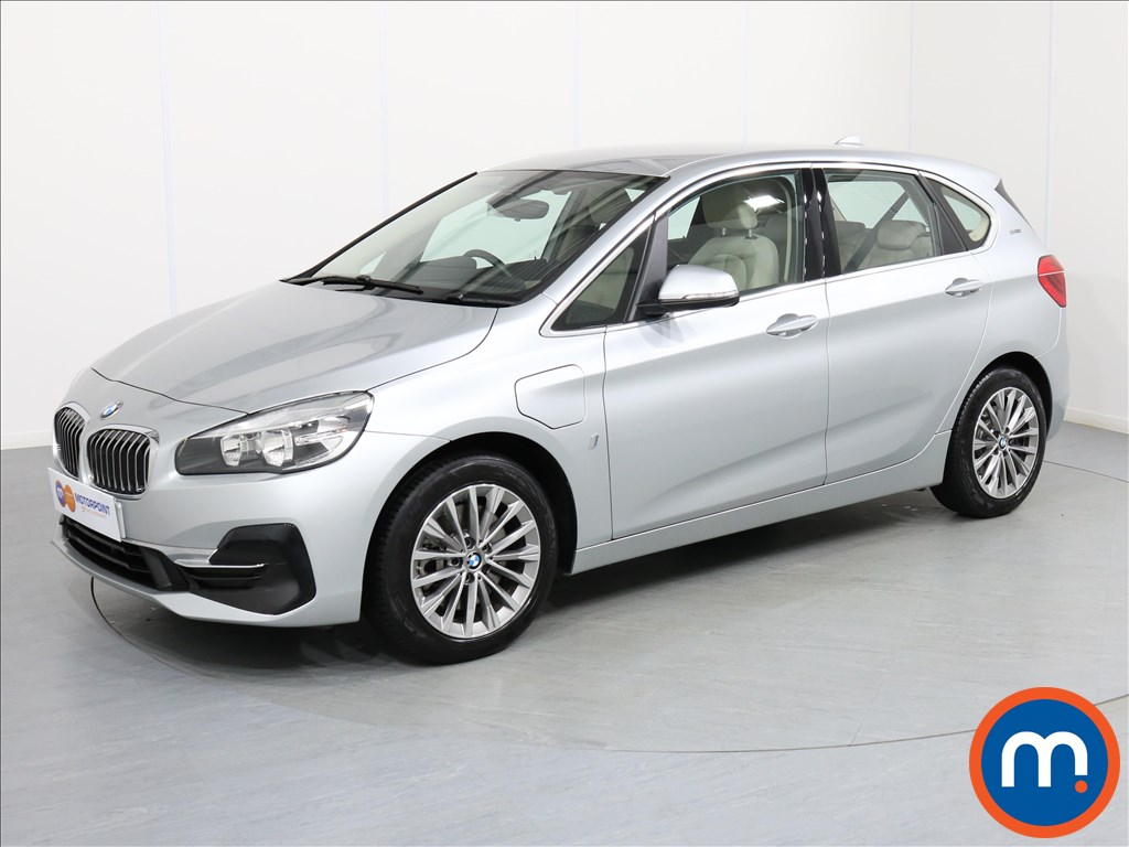 BMW 2 Series Luxury - Stock Number 1061088 Passenger side front corner