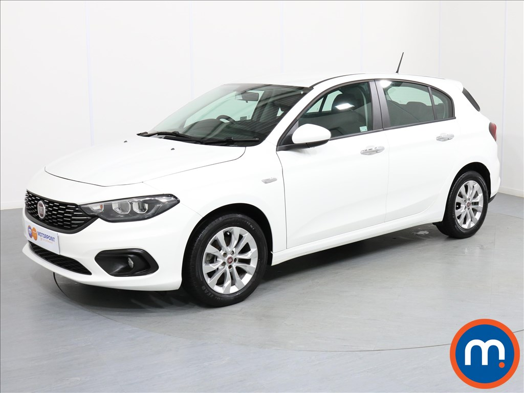 Fiat Tipo Easy Plus - Stock Number 1062197 Passenger side front corner