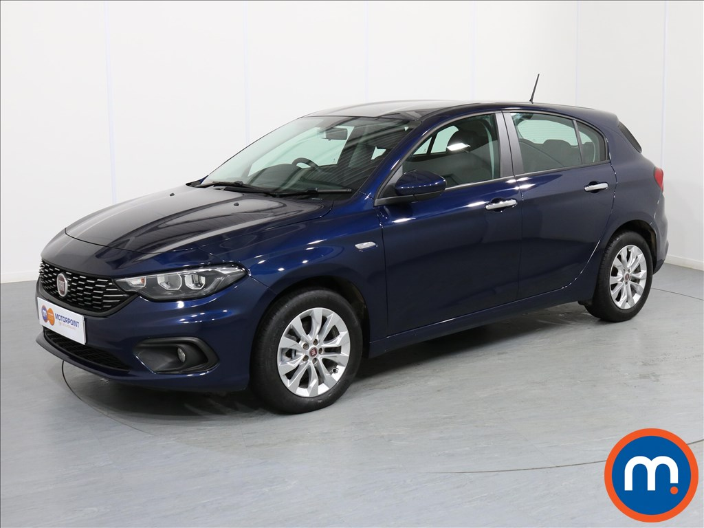 Fiat Tipo Easy Plus - Stock Number 1063840 Passenger side front corner