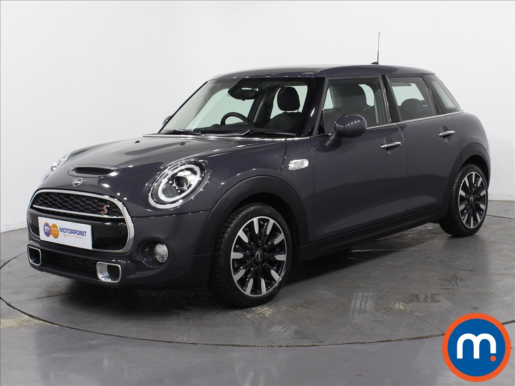 Mini Hatchback Cooper S Exclusive - Stock Number 1061169 Passenger side front corner