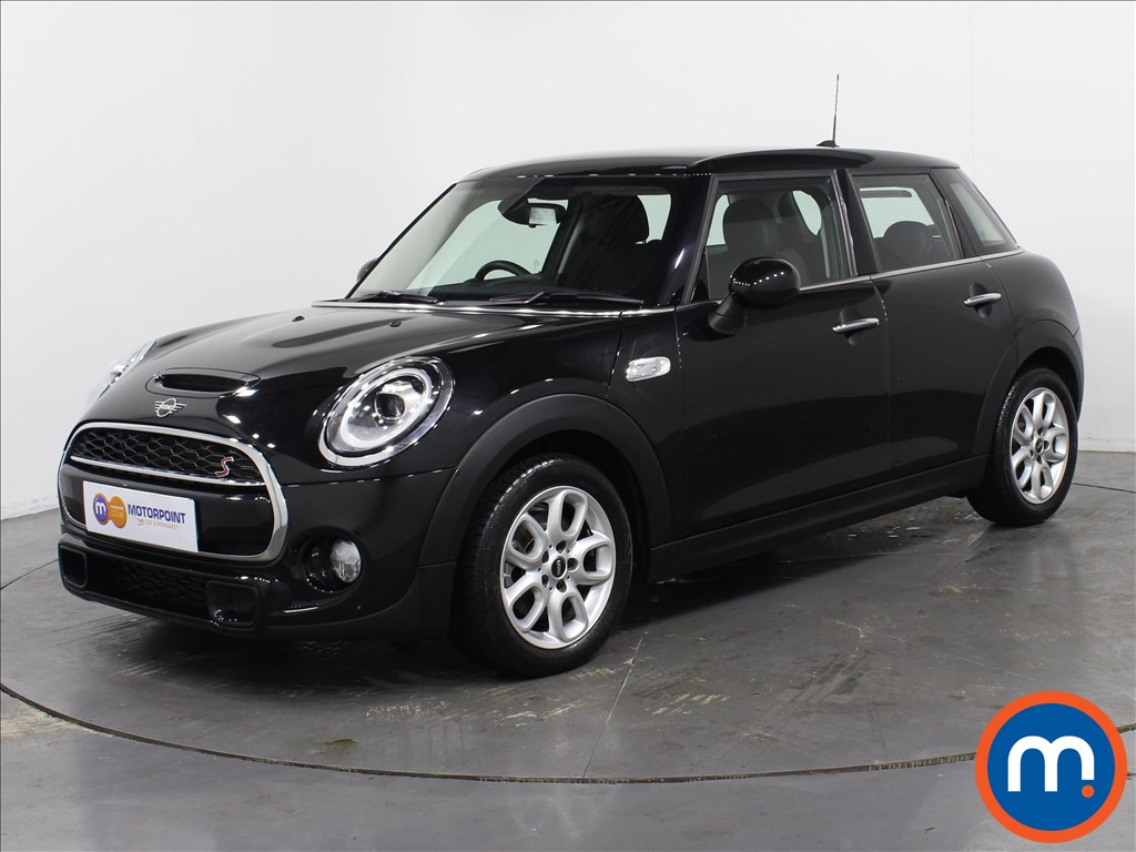Mini Hatchback Cooper S - Stock Number 1063325 Passenger side front corner