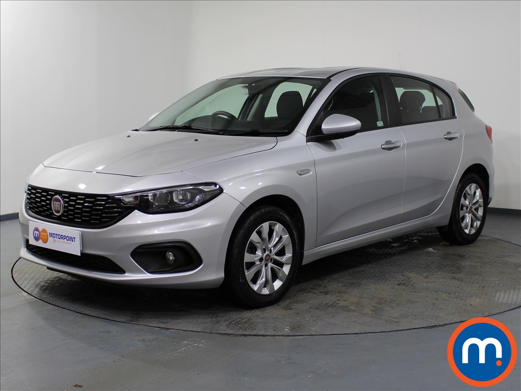 Fiat Tipo Easy Plus - Stock Number 1063845 Passenger side front corner
