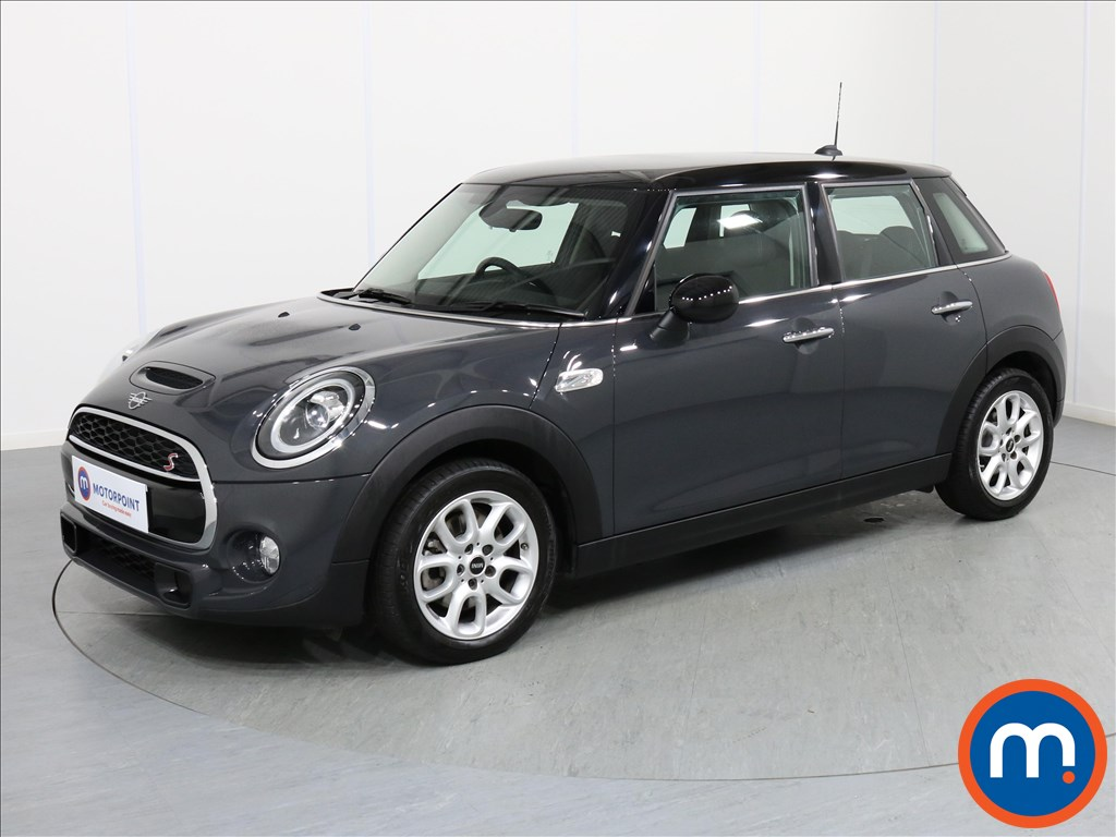 Mini Hatchback Cooper S - Stock Number 1065087 Passenger side front corner