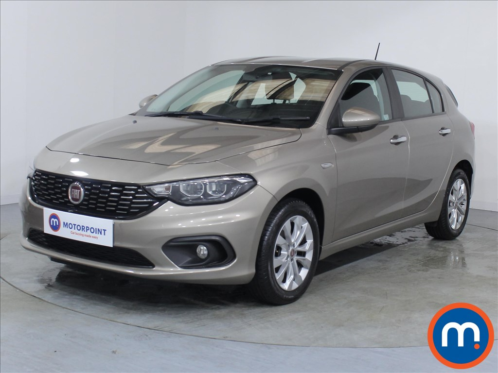 Fiat Tipo Easy Plus - Stock Number 1068273 Passenger side front corner