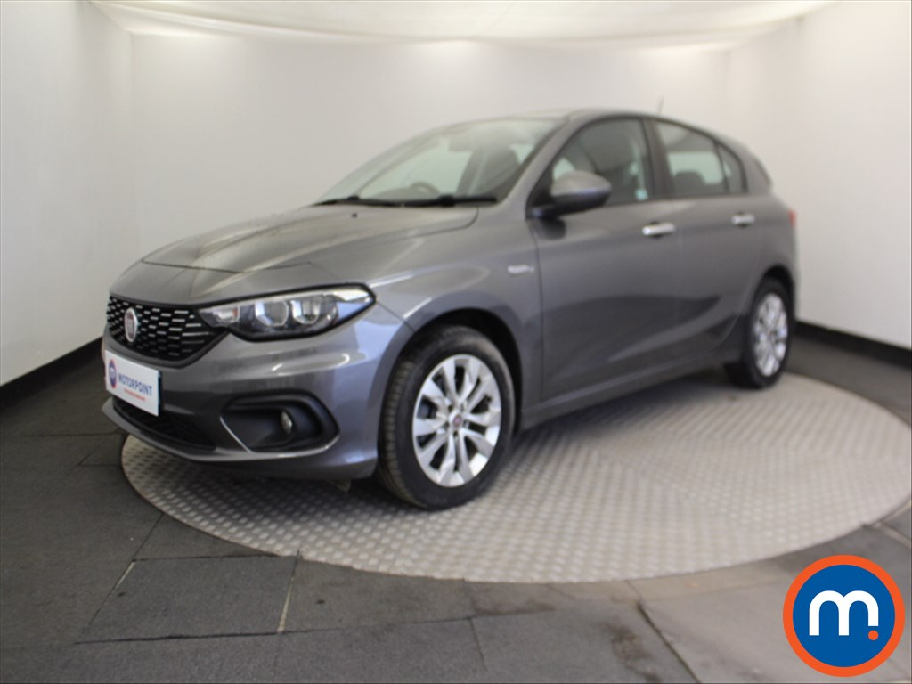 Fiat Tipo Easy Plus - Stock Number 1068303 Passenger side front corner