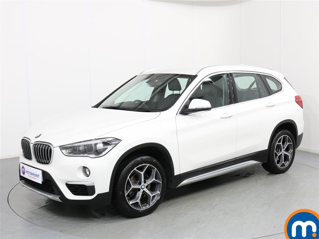 BMW X1 xLine - Stock Number 1071036 Passenger side front corner