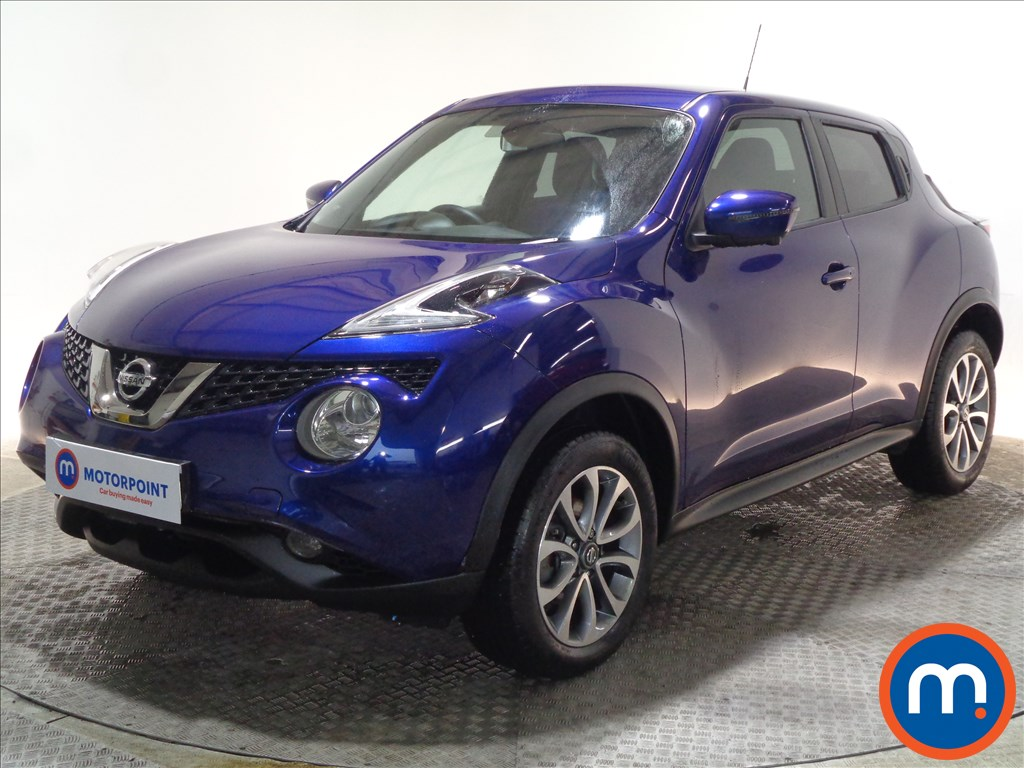 Nissan Juke Tekna - Stock Number 1069355 Passenger side front corner