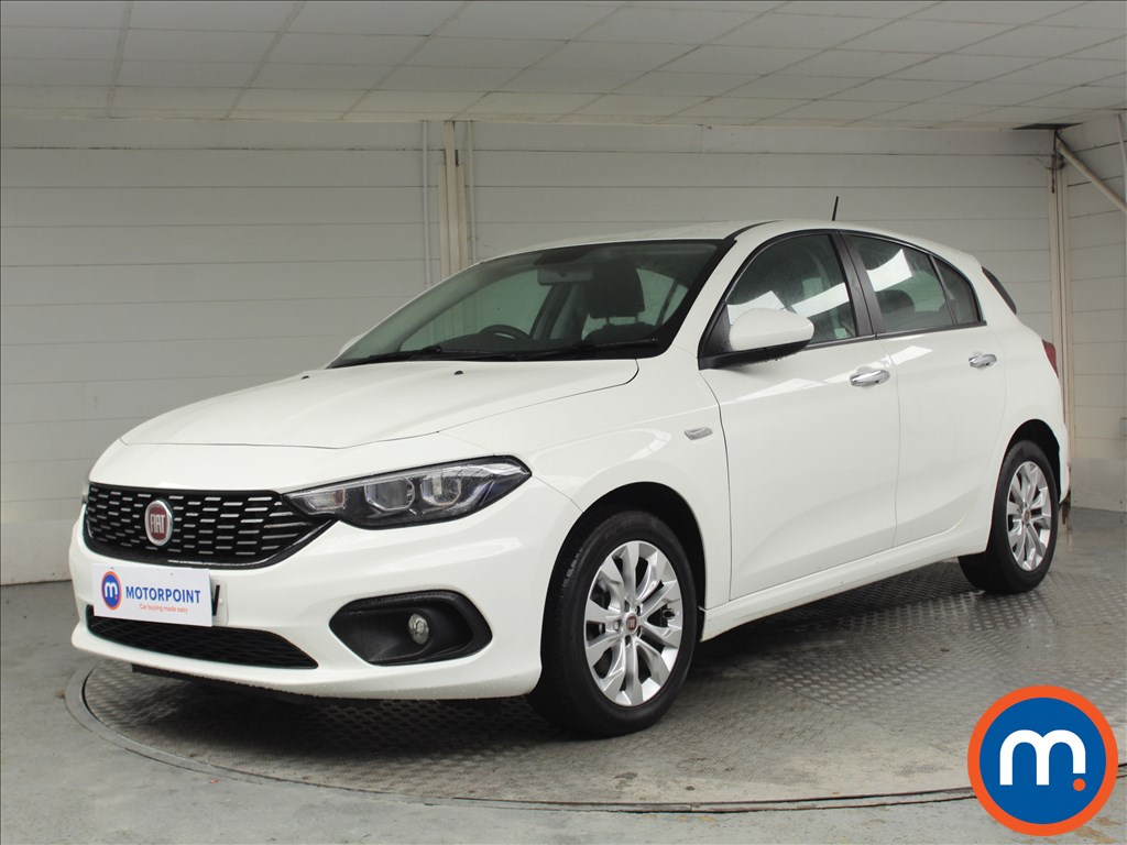 Fiat Tipo Easy Plus - Stock Number 1068275 Passenger side front corner