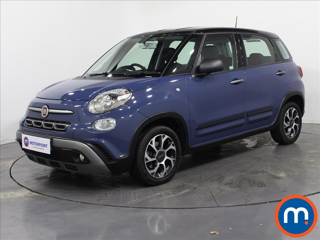 Fiat 500L City Cross - Stock Number 1071000 Passenger side front corner