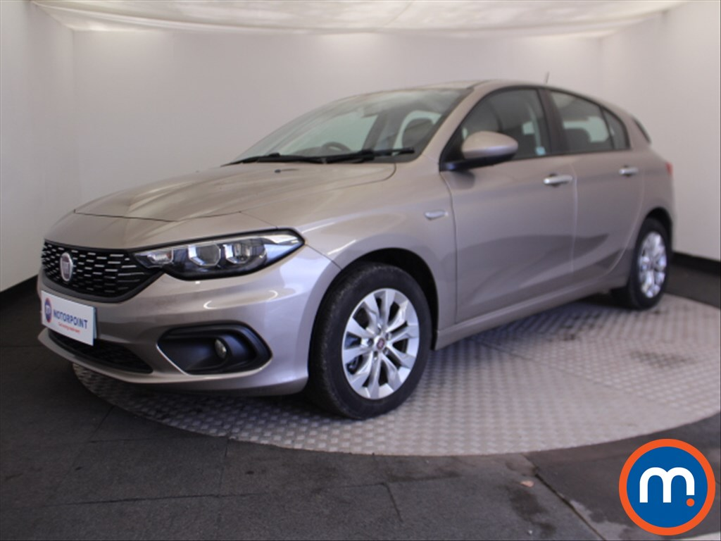 Fiat Tipo Easy Plus - Stock Number 1073465 Passenger side front corner