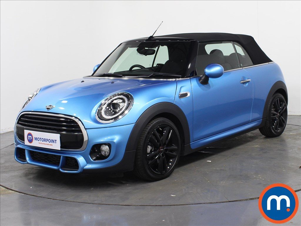 Mini Convertible Cooper - Stock Number 1069944 Passenger side front corner