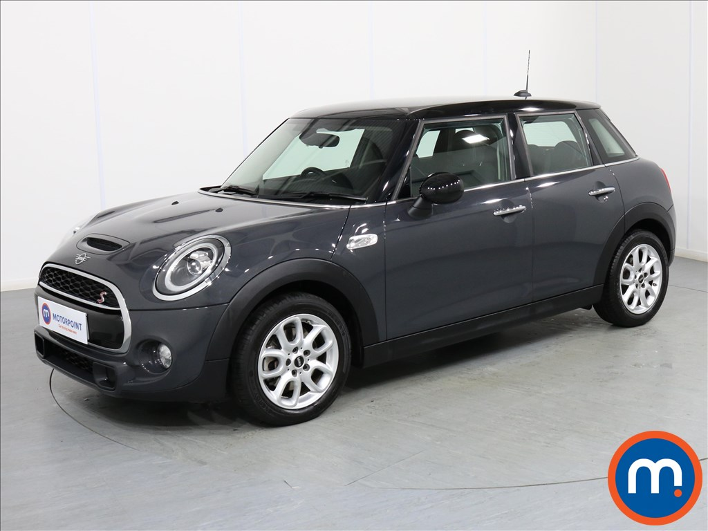 Mini Hatchback Cooper S - Stock Number 1072032 Passenger side front corner
