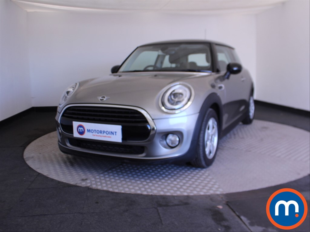 Mini Hatchback Cooper Classic - Stock Number 1069976 Passenger side front corner