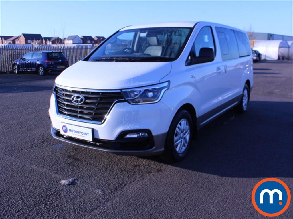 Hyundai I800 SE Nav - Stock Number 1070693 Passenger side front corner