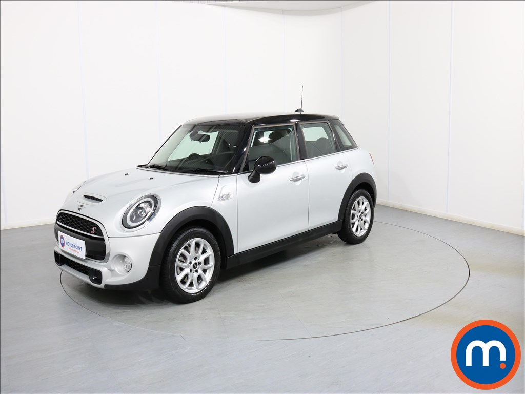 Mini Hatchback Cooper S - Stock Number 1075357 Passenger side front corner
