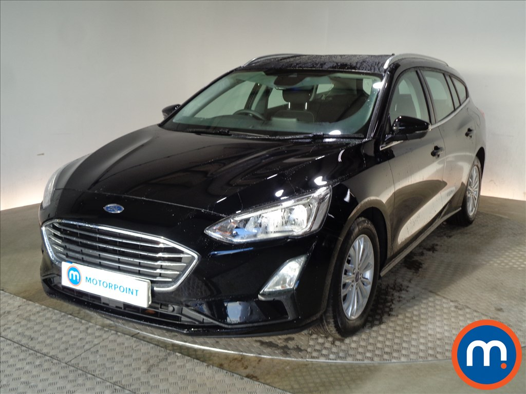 Ford Focus Titanium - Stock Number 1073392 Passenger side front corner