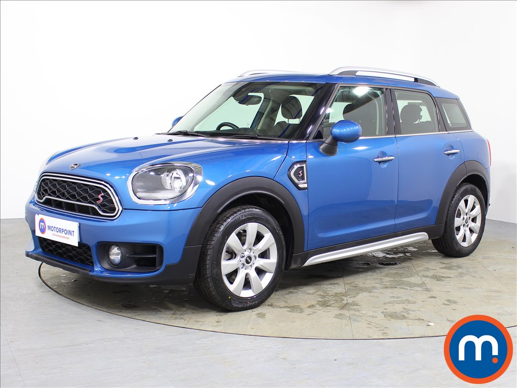 Mini Countryman Cooper S - Stock Number 1072045 Passenger side front corner