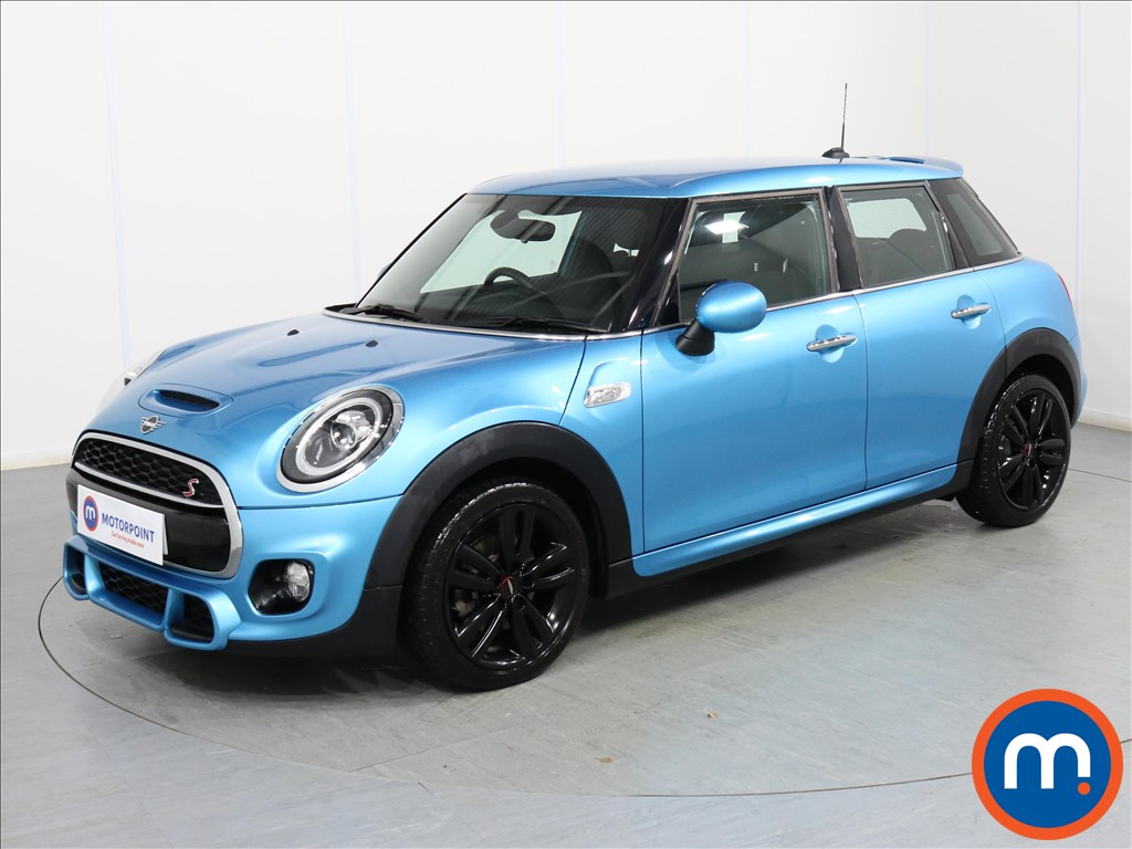 Mini Hatchback Cooper S - Stock Number 1078321 Passenger side front corner