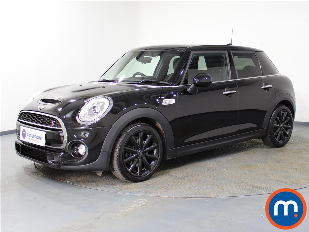 Mini Hatchback Cooper S - Stock Number 1078701 Passenger side front corner