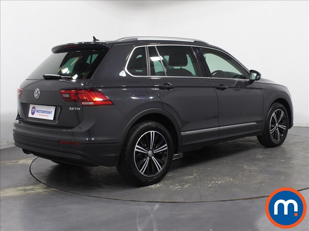 Volkswagen Tiguan SE Nav - Stock Number 1081618 Passenger side front corner