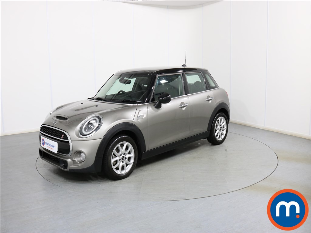 Mini Hatchback Cooper S - Stock Number 1078705 Passenger side front corner