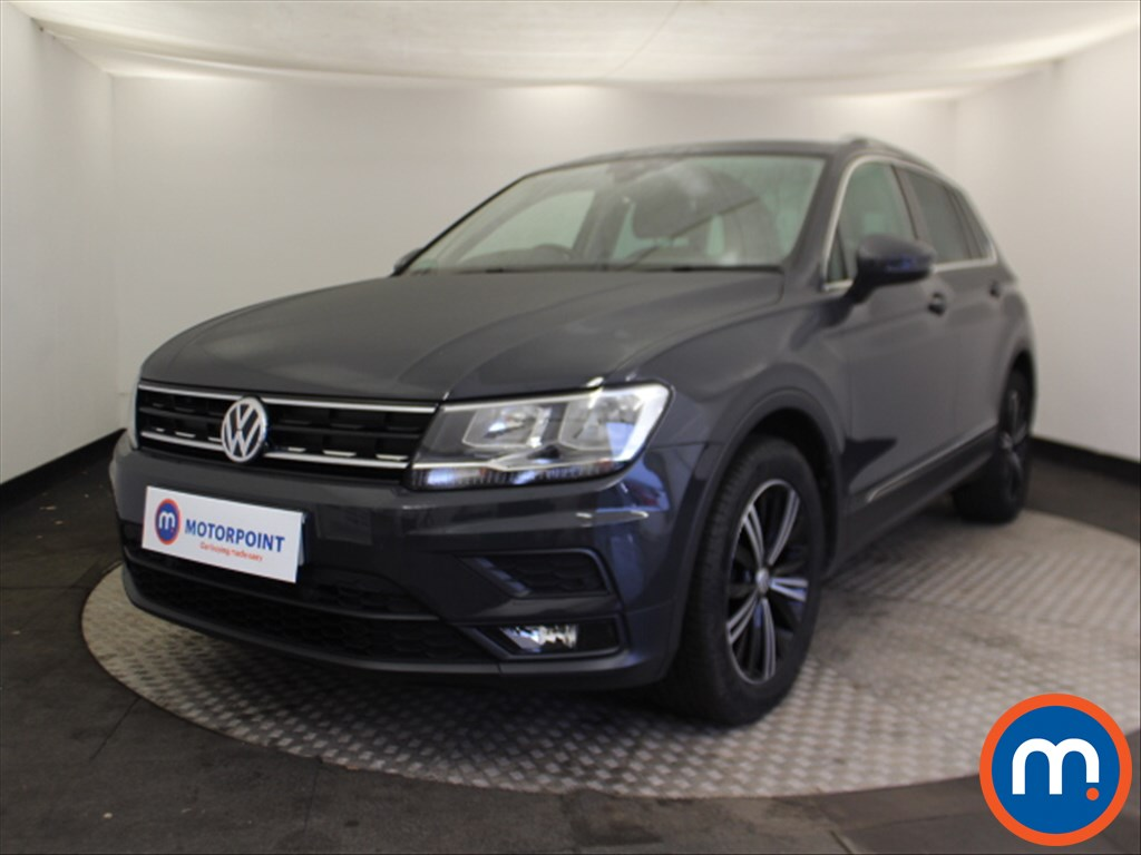 Volkswagen Tiguan SE Nav - Stock Number 1079939 Passenger side front corner