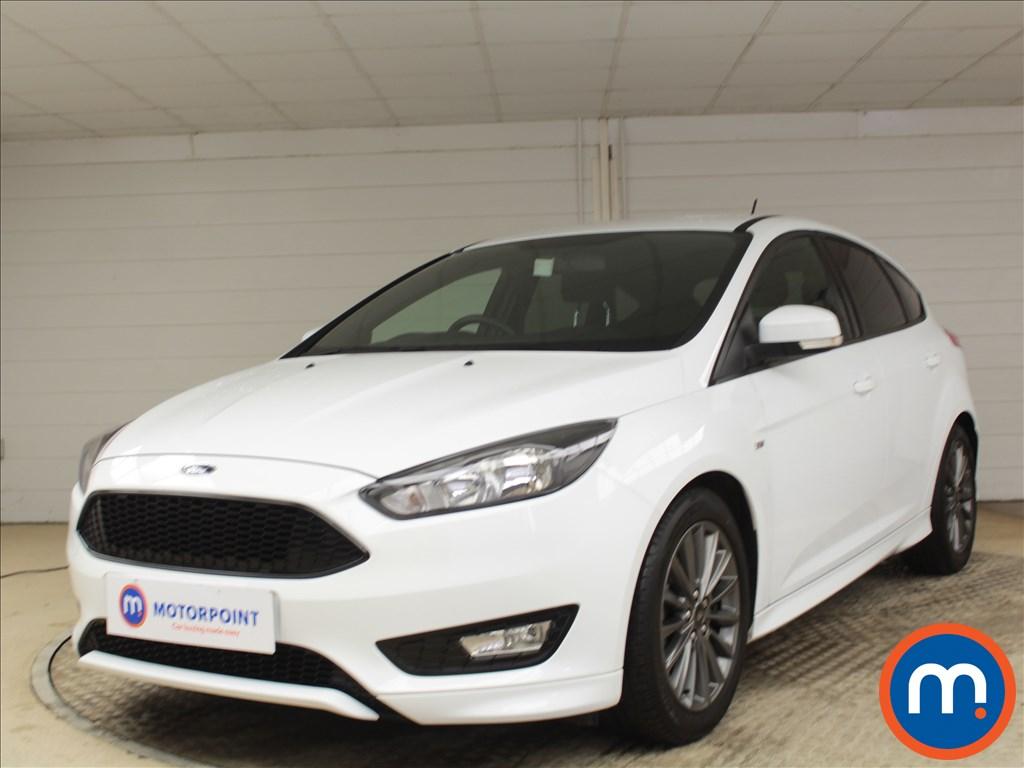 Ford Focus ST-Line - Stock Number 1084443 Passenger side front corner