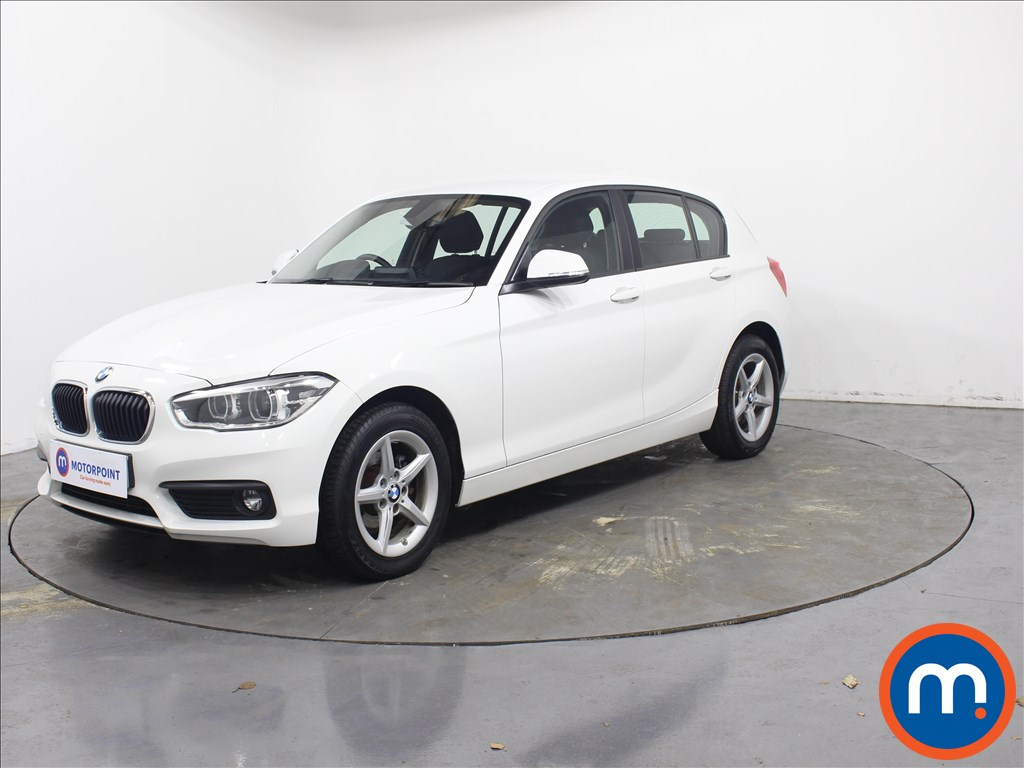 BMW 1 Series SE Business - Stock Number 1084429 Passenger side front corner