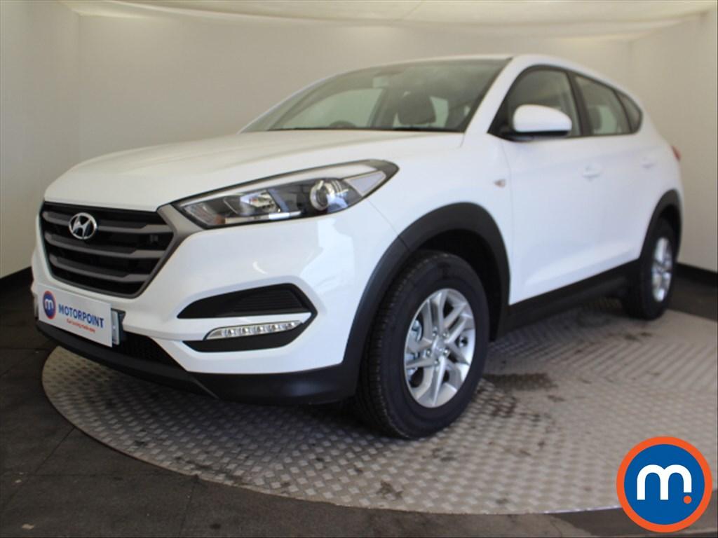 Hyundai Tucson S - Stock Number 1085119 Passenger side front corner
