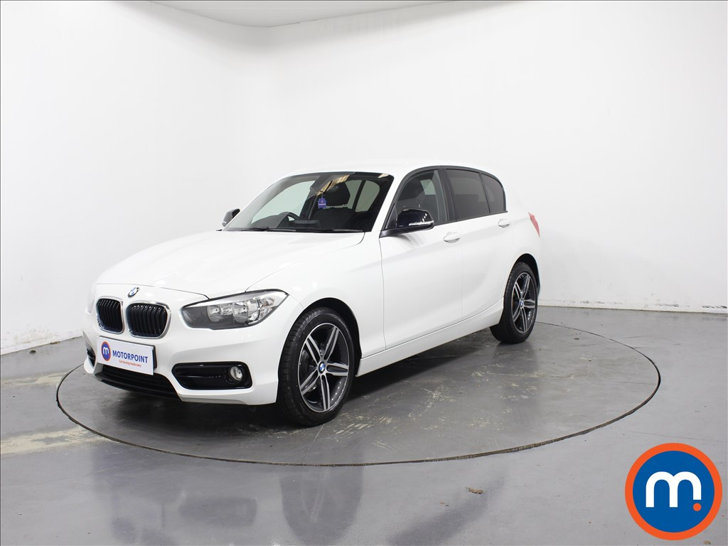BMW 1 Series Sport - Stock Number 1084946 Passenger side front corner