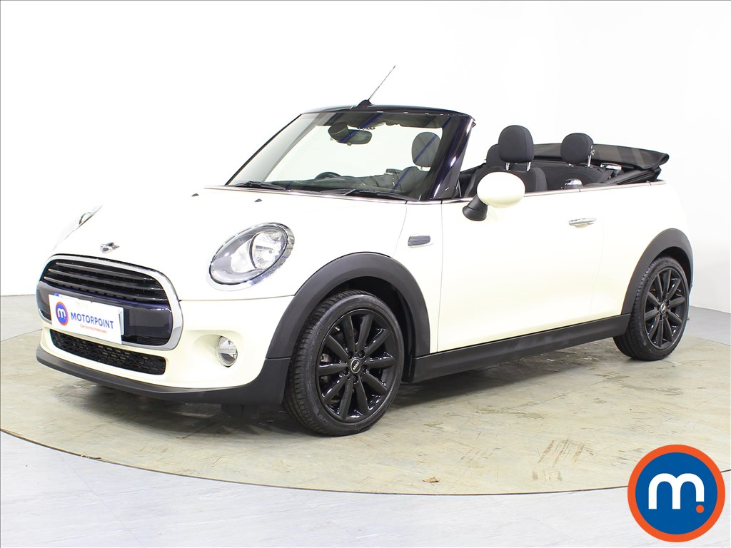 Mini Convertible Cooper - Stock Number 1085671 Passenger side front corner