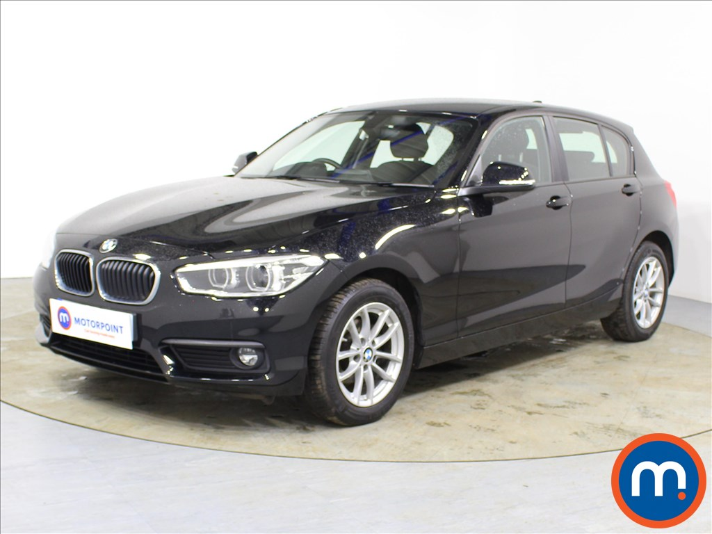 BMW 1 Series SE Business - Stock Number 1087136 Passenger side front corner