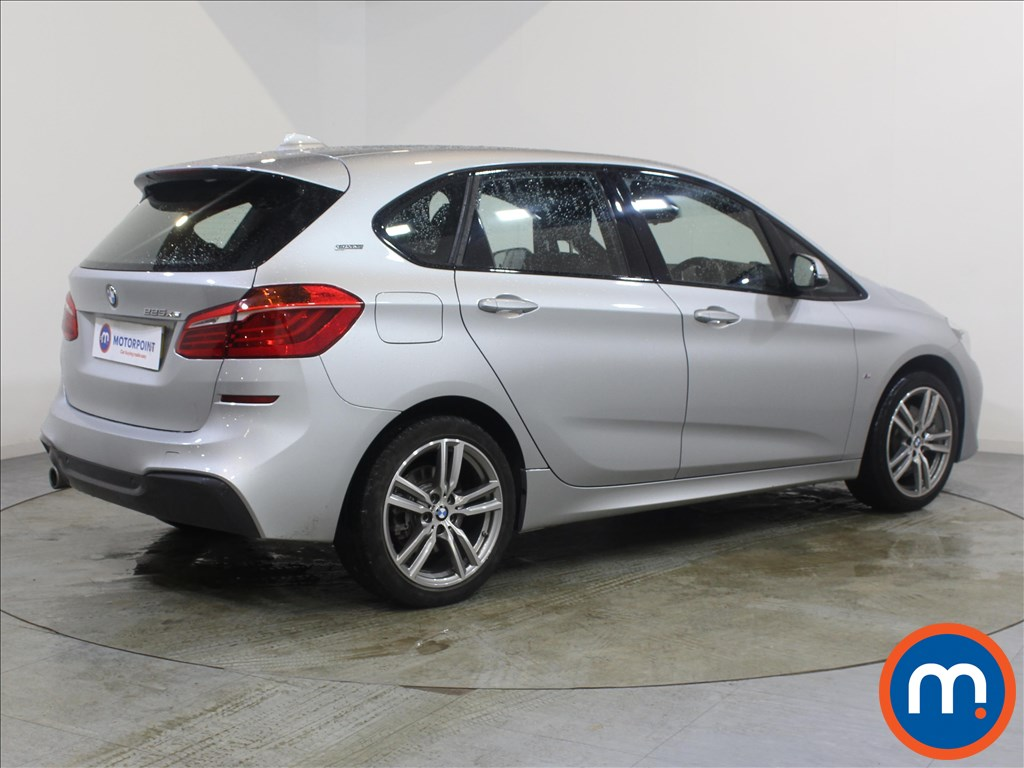 BMW 2 Series M Sport - Stock Number 1090203 Passenger side front corner