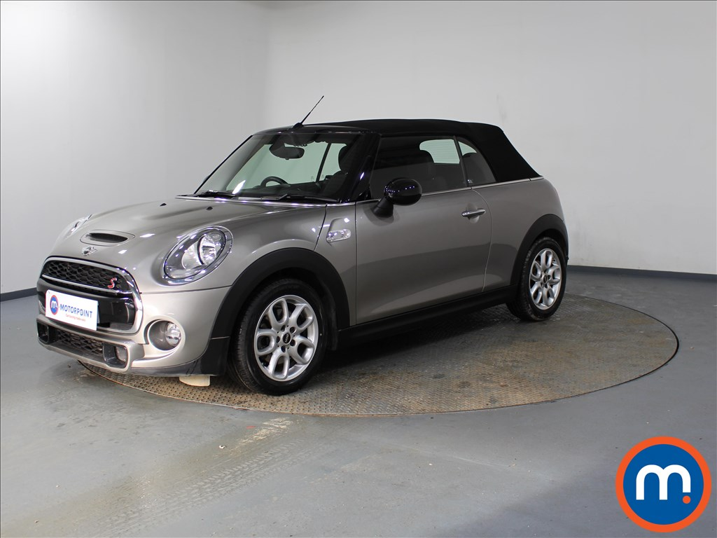 Mini Convertible Cooper S - Stock Number 1090204 Passenger side front corner