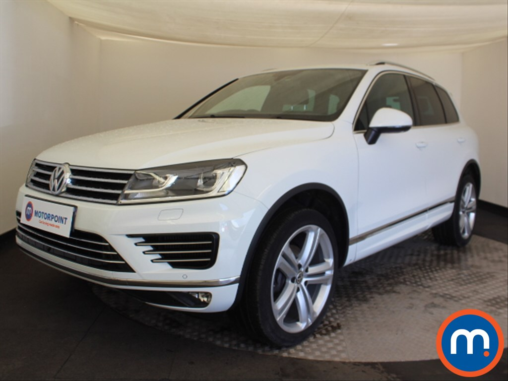 Volkswagen Touareg R Line Plus - Stock Number 1093513 Passenger side front corner