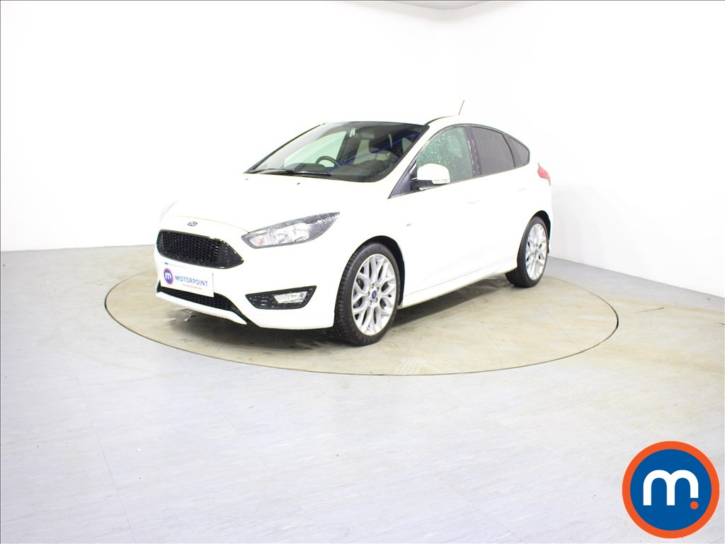 Ford Focus ST-Line - Stock Number 1089468 Passenger side front corner
