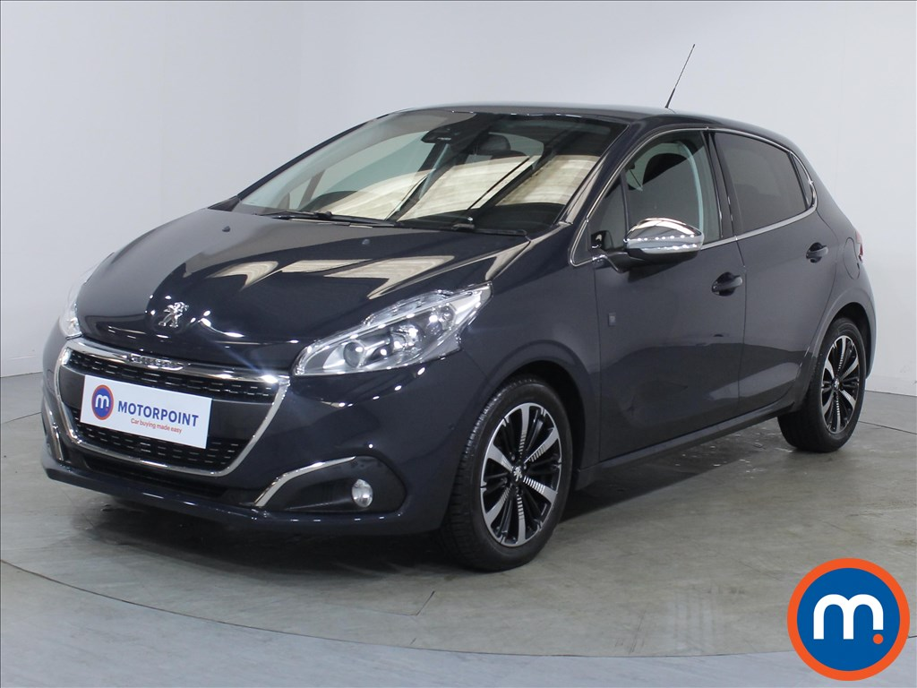 Peugeot 208 Tech Edition - Stock Number 1099000 Passenger side front corner