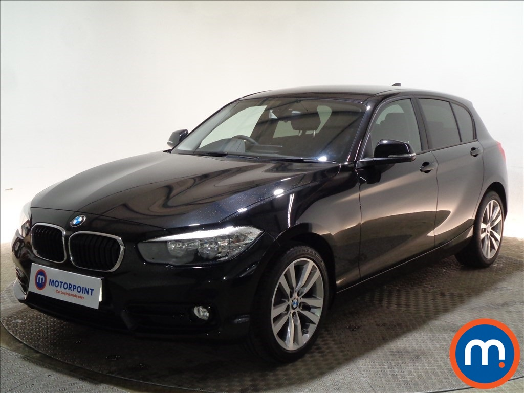 BMW 1 Series Sport - Stock Number 1098030 Passenger side front corner