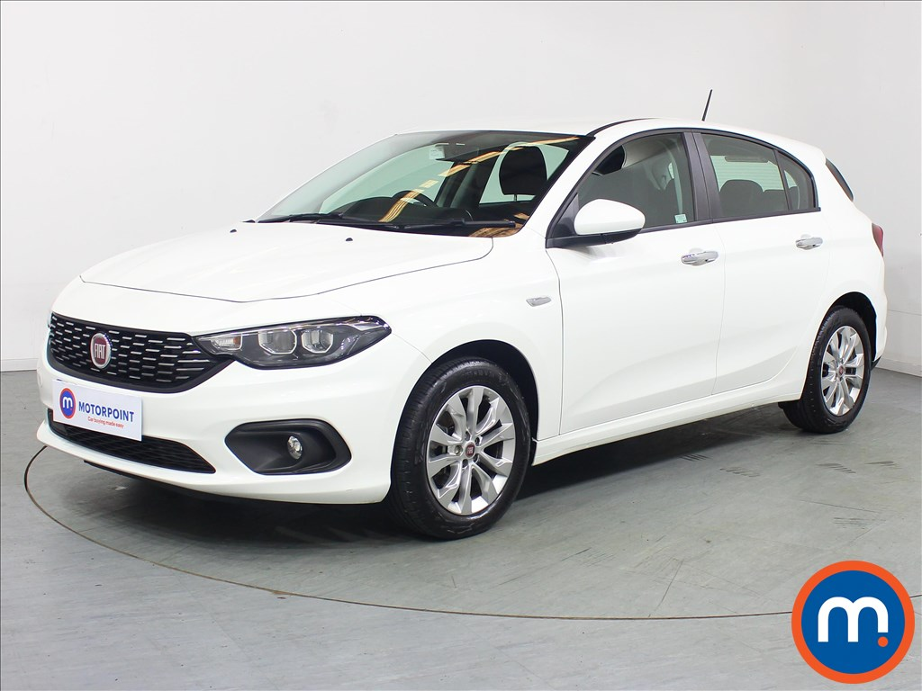Fiat Tipo Easy Plus - Stock Number 1098761 Passenger side front corner